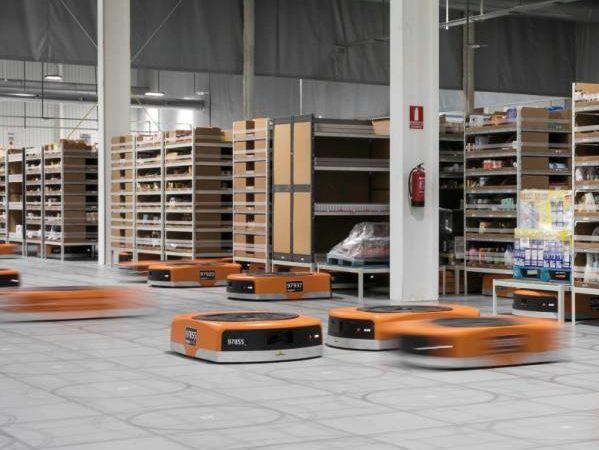 Wir Sind Die Roboter Zu Besuch Bei Amazon Profil At